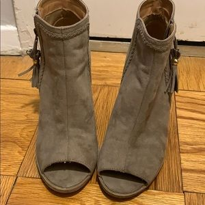 Light brown booties with open toe
